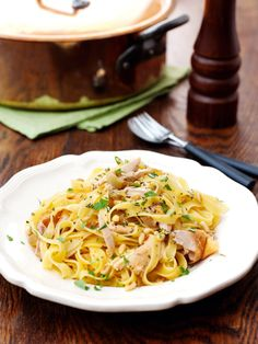 Tagliatelle With Chicken From the Venetian Ghetto Pasta Recipes, Chicken Recipes, Cooking Recipes, Noodle Recipes, Healthy Cooking, Pasta With Onions, Nigella Lawson, Sweet Chilli, Pasta Dishes