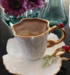 Coffee Latte, Coffee Set, Coffee Break, Coffee Drinks, Coffee Time, Morning Coffee, Coin Café, Coffee Presentation, Café Chocolate