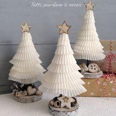 http://tuttiguardanolenuvole.blogspot.de/2015/12/paper-christmas-trees.html