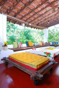 varnam-talk: TURIYA…a spa-villa cum homestay in Goa ! Indian Home Design, Indian Home Interior, Indian Interiors, Home Room Design, Home Interior Design, House Design, Interior Modern, Ethnic Home Decor, Indian Home Decor