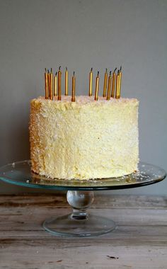 That crazy coconut cake! Valentine's Day, Crazy Cakes, Vanilla Cake, Food And Drink, Coconut, Valentines, Cheese, Baking, Mat