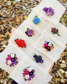 Geceye yenilmeyen her insana ödül olarak bir sabah,bir gündüz ve bir güneş vardır. Sezai Karakoç Hand Embroidery Patterns Flowers, Embroidery Neck Designs, Creative Embroidery, Modern Embroidery, Embroidered Flowers, Hardanger Embroidery, Learn Embroidery, Embroidery Jewelry, Embroidery Art