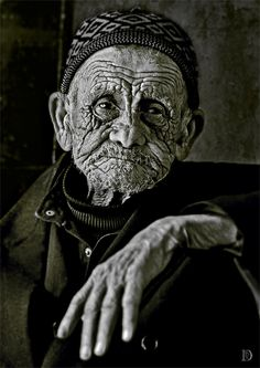 Time stamp (by Dina Bova) [old man]