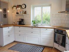 38 Ideas Kitchen Ikea Savedal Subway Tiles For 2020 Kitchen Cabinets India, Kitchen Ikea, New Kitchen, Kitchen Decor, Kitchen Walls, American Kitchen Design, Kitchen On A Budget, Küchen Design, Interior Design Kitchen