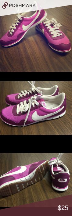 Nike casual sneakers Women's size 8.5 Nike Retro casual sneakers in plum color.  Super cute and comfortable! Nike Shoes Athletic Shoes