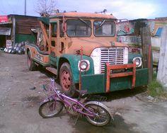 mabuti naman at di siya kinakatay, mukhang ginamit na lang siyang tow truck,   http://karistirsepeti.com