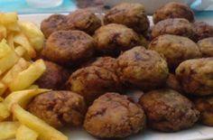 Kεφτεδάκια της γιαγιάς που μοσχομυρίζουν σε όλη τη γειτονιά! - Γεύση & Συνταγές - Athens magazine Cooking, Ethnic Recipes, Sweet, Desserts, Food, Kitchen, Candy, Tailgate Desserts, Deserts