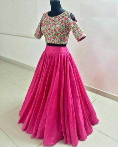 Indian Gowns Dresses, Indian Fashion Dresses, Dress Indian Style, Indian Designer Outfits, Skirt Fashion, Designer Dresses, Dresses Dresses, Lehenga Choli Designs, Saree Blouse Designs