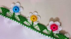 Sowohl Easy als auch Beautiful Crochet Floral Beaded Needlework Models Knitted Poncho, Knitted Shawls, Crochet Christmas Ornaments, Knit Shoes, Crochet Borders, Diy Accessories, Knitting Socks, Hand Embroidery, Tatting