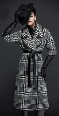 Girly Girl Outfits, Classy Outfits, Plaid Fashion, Winter Fashion Outfits, Elegant Gloves, Gloves Fashion, Plaid Suit, Black Leather Gloves, Cashmere Coat
