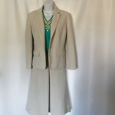 🎈🎈CALVIN KLEIN STUNNING SUIT SIZE 12 NWOT ,Fits good to Size 12 .High quality.Skirt is A -Line With pockets  .Very light grey collor Calvin Klein Jackets & Coats