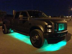 Awesome Ford Truck! If only it was higher off the ground!!
