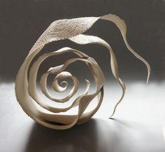 mues - Jeanne-Sarah Bellaiche, Céramiste. Création de céramiques contemporaines en Bretagne.
