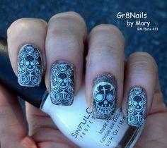 BM413 Skull nails