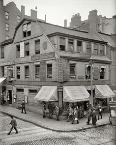 Old Corner Bookstore, first brick building in Boston, circa 1900.