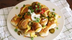 Two favorite ball game treats, pretzels and nachos, combine in this tasty and easy-to-make recipe.