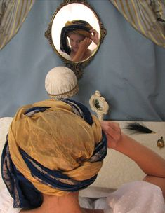 How to wrap a Regency turban, an article by Lynn McMasters.