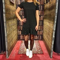 VILA FRIDAY   Wauw, ineens laat het zonnetje zich zien! Brothers Jeans heeft daarom bijpassende jurkjes, waaronder deze VILA CLOTHES, Jurk Virufflelow, €29.99    Shop online: https://brothersjeans.nl/product/vila-jurken-virufflelow/    Selected Femme, SFALBA SNEAKER, €129.99  Shop online: https://brothersjeans.nl/product/sfalba-sneaker/    #vilafriday #stripes #dresses #sunshine #sneaker👟  #trend #vilaclothes #brothersjeans #selectedfemme