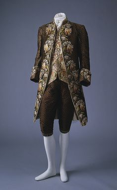 French silk suit, 1774-92  how many candle hours did this take, all the embroidery