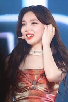 Kpop Girl Groups, Kpop Girls, My Girl, Cool Girl, Kpop Girl Bands, Nayeon Twice, Im Nayeon, Drama Korea, Music Pictures