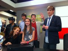 Essa foto foi da primeira vez em que Big Time Rush apresentou a mãe do Kendall ao Gustavo.