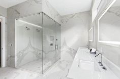 Advice, tactics, as well as manual in the interest of getting the most ideal end result as well as ensuring the optimum usage of walk in shower remodel Bathroom Tub Shower, Shower Doors, Large Bathrooms, Bathroom Design Small, Bathroom Designs, Walk In Shower Designs, Half Walls, Custom Shower, Built In Bench