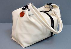 Ledertaschen - Ledertasche Schultertasche Umhängetasche Creme - ein Designerstück von Monti-lederdesign bei DaWanda