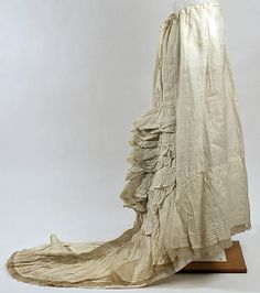 Cotton petticoat with tiered ruffles, British, 1875-80.