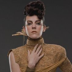 A first look at Jena Malone as Johanna Mason in the upcoming Hunger Games movie. Hunger Games Quiz, Hunger Games Movies, Hunger Games Catching Fire, Hunger Games Trilogy, Jena Malone, Johanna Mason Hunger Games, Capitol Couture, Tribute Von Panem, Dyed Red Hair