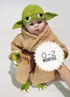 Infant Yoda Crochet Costume Pattern PDF - Star Wars Costume - Newborn Baby Crochet Pattern - Yoda Baby Costume
