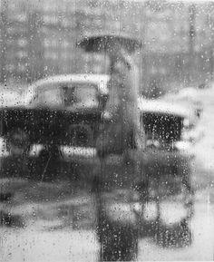 Paris Rain, Photo by Sabine Weiss, Sabine Weiss, Walking In The Rain, Singing In The Rain, Robert Doisneau, Photography Career, Street Photography, Photography Ideas, Modern Photography, Amazing Photography