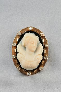 Antique 18kt Gold and Hardstone Cameo Brooch