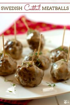 These Swedish Cocktail Meatballs are the perfect bites for game day, holidays, or even meal time. You can even make them head of time! #PassTheJoy