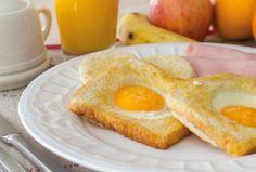 Huevos en Canasta, un desayuno salado, para disfrutar de dos alimentos básicos el pan y los huevos. #Receta