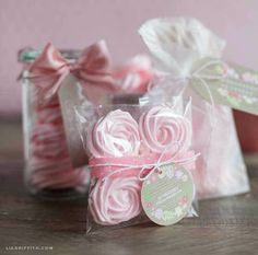Create a stunning looking gift with Lia Griffith's beautiful packaging ideas and gorgeous free labels at LiaGriffith.com!