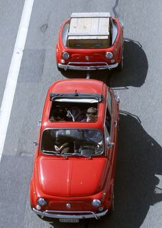 Swiss Fiat 500 Cinquecento… That trailer has to be the cutest thing I've ever seen!!