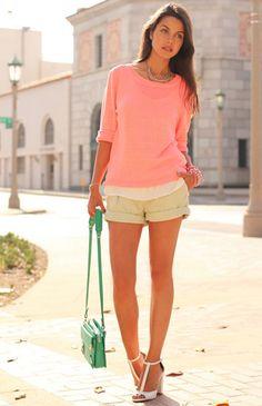 looks con short color rosa - Buscar con Google