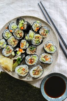 vegan sushi with pickled daikon | apolloandluna.com