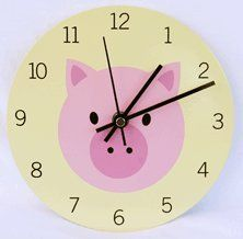 Pig kitchen clock--want! This Little Piggy, Cute Little Things, Pig Kitchen, Pig Crafts, Kitchen Clocks, Mini Pigs, Whittling, Nursery Wall Decor, Made Of Wood