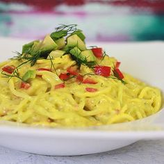 Naturally Ashley Creamy Mango Dill Noodles Ingredients:  For the noodles: 1 big cucumber 1 medium zucchini   Super creamy sauce: 3 cups chopped mango 1/2 avocado 1 stick celery 1/2 red pepper diced  2 green onions 1/2 lime Fresh dill