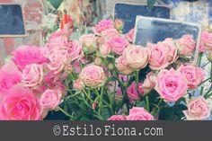 Decoración sencilla con flores frescas.
