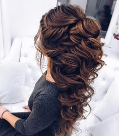 Elstiles long wedding hairstyles for bride beautiful hair styles for wedding 20 Long Wedding Hairstyles for Bride from Elstiles Romantic Wedding Hair, Wedding Hair Down, Wedding Hair And Makeup, Trendy Wedding, Hair For Bride, Wedding Hairstyle For Bride, Bride Hair Down, Wedding Curls, Bride Makeup