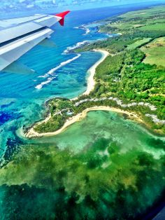 View of Blue Bay Marine Reserve and Beachcomber Shandrani Resort from the plane - Mauritius