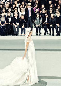 CHANEL wedding dress / Karl Lagerfeld