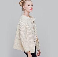 INTERMEDIATE LEVEL <i> (a little bit challenging, after knitting this cardigan you'll be prepared for the next level) </i> The kit contains: * 9 balls of 100% Petite Peruvian wool yarn * 8 mm  / UK 0 / US 11 wooden knitting needles * The pattern * A