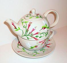 Colibríes té de una tetera con taza y platillo selección de diseños 3 pintadas pieza pintada a mano té fijado para un día de promotores