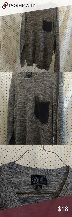 Retrofit cozy sweater SUPER cozy gray material. Small slits at the sides. Darker gray pocket on front. Like new condition! Retrofit Sweaters
