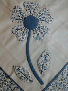 Aplicación flor azul.