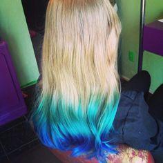 Tip dyed hair, blonde hair.
