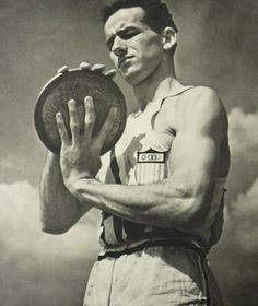 Discus Thrower, Berlin Olympics, Leni Riefenstahl, Vintage Year, Anatomy Poses, Dance Lessons, Male Poses, Sports Games, Film Director